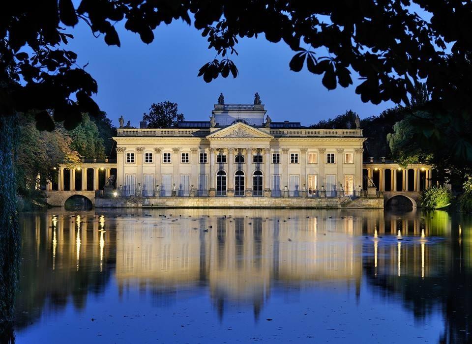 Muzeum łazienki Królewskie W Warszawie Noclegi Atrakcje